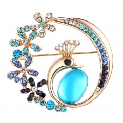 Peacock Alloy Gold Plated Crystal Brooch Jewelry Peacock