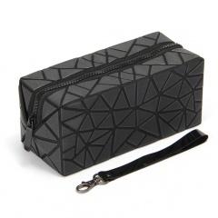 Geometric Frosted Folding Bao-Linge Makeup Bag Hand Bag20*8.5*8.5cm Black