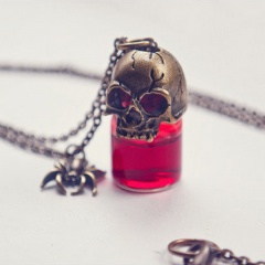 Punk Gothic Skull Fake Blood Miniature Bottle Necklace Vampire Halloween Gift Skull