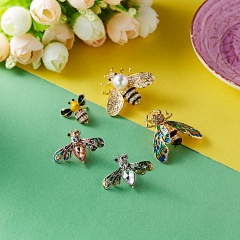New Natural Animals Jewelry Brooch Pins Bee Dragonfly Butterfly Insect Brooches For Women Man Costume Brooch Pins Gift bee3
