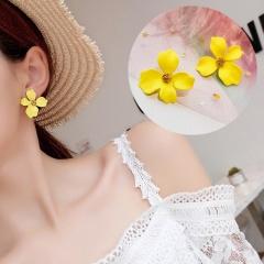1 Pair Small Fresh Flower Earrings For Women Yellow