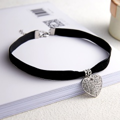 Women Full Crystal Heart Velvet Necklace Clavicule Chain Jewelry Love Heart