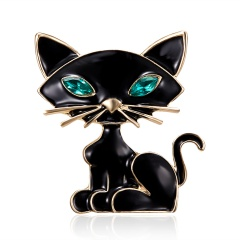 Black & White Enamel Cat Brooches for Women Holding Flower Kitty Brooch Pin Fashion Animal Accessories High Quality New 2019 Cat 3