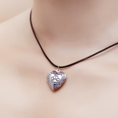 heart-shaped dog paw cat paw footprint photo frame box pendant necklace Silver
