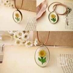 geometric oval sunflower dried flower handmade epoxy necklace Flower