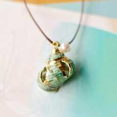 natural conch with gold rim shell pendant necklace Green