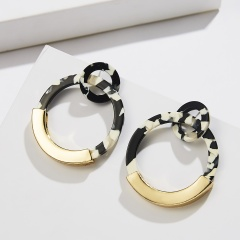 circle acetate stud earrings black white