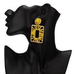 Winding hand-woven raffia geometric stud earrings Yellow