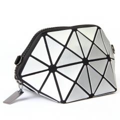 Silver Triangle Cosmetic Bag Linger Wash Gargle Bag Chain One Shoulder Bag 21*11*11cm Silver