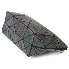 Geometric Diamond Glow-light Zipper Bag The geometric model