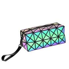 Geometric Ringer Toiletry Bag Luminous Travel Toiletry Bag 19.5*8.5*8.5cm The triangle model