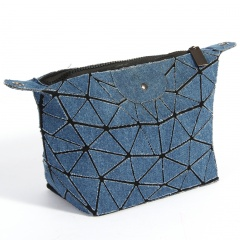 Geometric Ringer Bag With Folded One-shoulder Bucket Jean Bag  32.5*16*11.5cm Blue-black