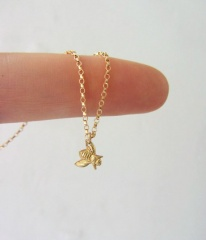 Fashion Chic Small Bee Insect Chain Pendant Necklace Elegant Women Jewelry Gift Gold