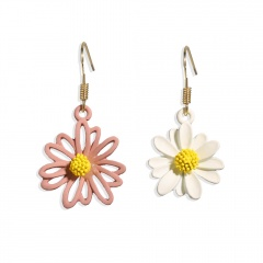 Asymmetric Daisy flower earrings pink and white