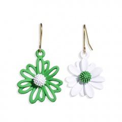 Asymmetric Daisy flower earrings Green and white