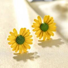 Daisy flower earrings 4
