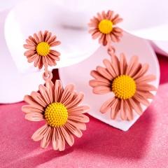 Daisy flower earrings 2