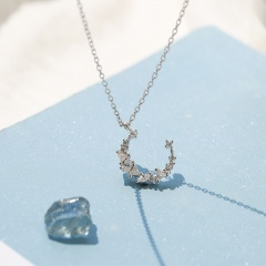Moon short collarbone chain necklace Silver