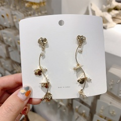 Korean 925 Silver Needle Metal Alloy Plant Branch Shaped Pearl Stud Earrings Plant
