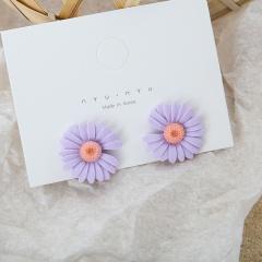 Small Daisy Flower Stud Earrings Purple 1