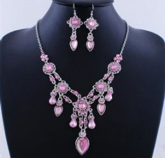 Fashion Arylic Crystal Necklace Earring Jewerly Set pink