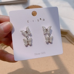 Butterfly stud earrings Pearl