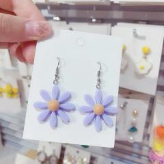 Resinous Daisy flower earrings purple