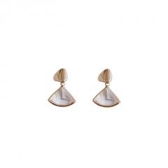 Korean Style Gold Pearl Crystal Stud Earrings Jewelry Sector