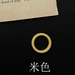 Color resin ring ring Beige