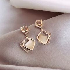 Gold Cat Eyes Stone Temperament Earrings Jewelry Wholesale A