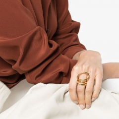 Exaggerated Large Circle Spiral Twisted Band Ring (1.7cm in diameter) gold